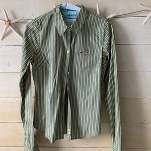 Hollister fitted bottom down shirt